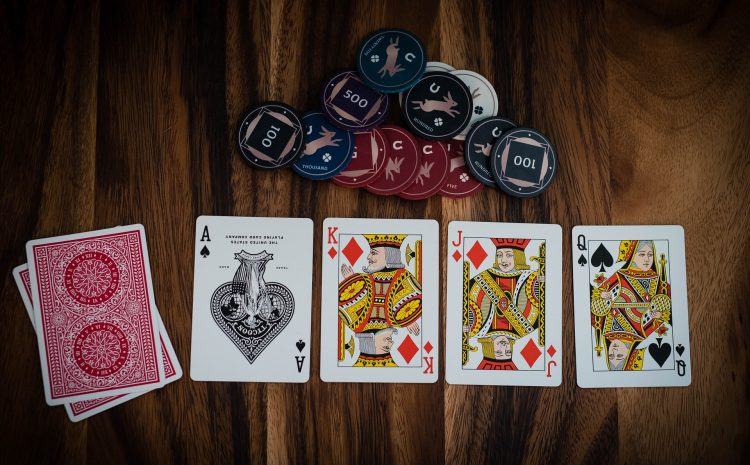 What Sets Online Casinos Apart From Land-Based Ones?